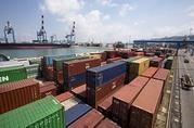 Разгрузка контейнеров в Израиле.