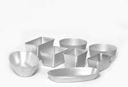 Алюминиевые формы для выпечки хлеба разных размеров.